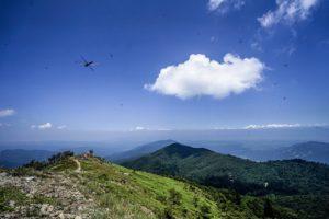 a7IIとSEL1635Zで撮影した武奈ヶ岳頂上での写真