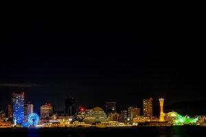 ボディX-T30、レンズはXF18-55mmF2.8-4 R LM OISで撮った神戸の夜景の写真