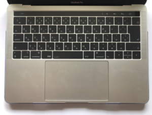 moshiのキーボードカバーclearguardを装着した画像