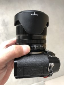 XF18-55mmF2.8-4 R LM OISの手ぶれ補正スイッチの説明