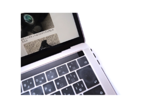 MacBook Pro 13.3インチ(2018Touch Bar、A 1989)のTouch IDは便利