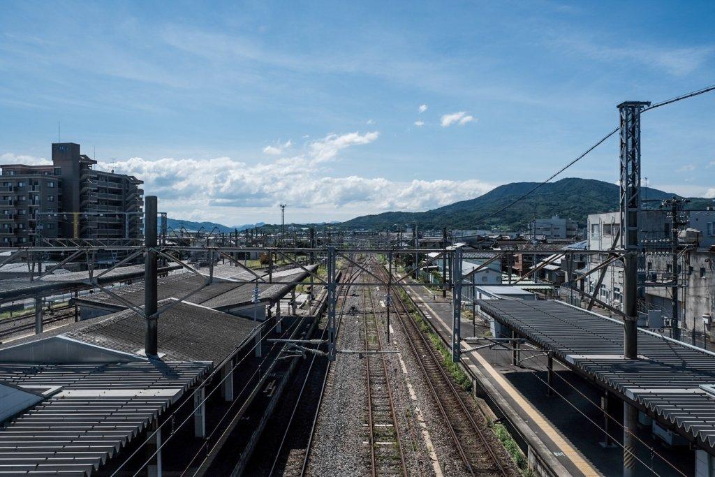 富士フィルム(FUJIFILM)のXT-30で撮影したJR肥前山口駅での写真