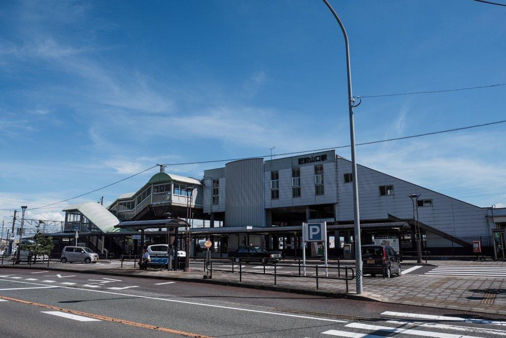 富士フィルム(FUJIFILM)のXT-30で撮影したJR肥前山口駅の写真