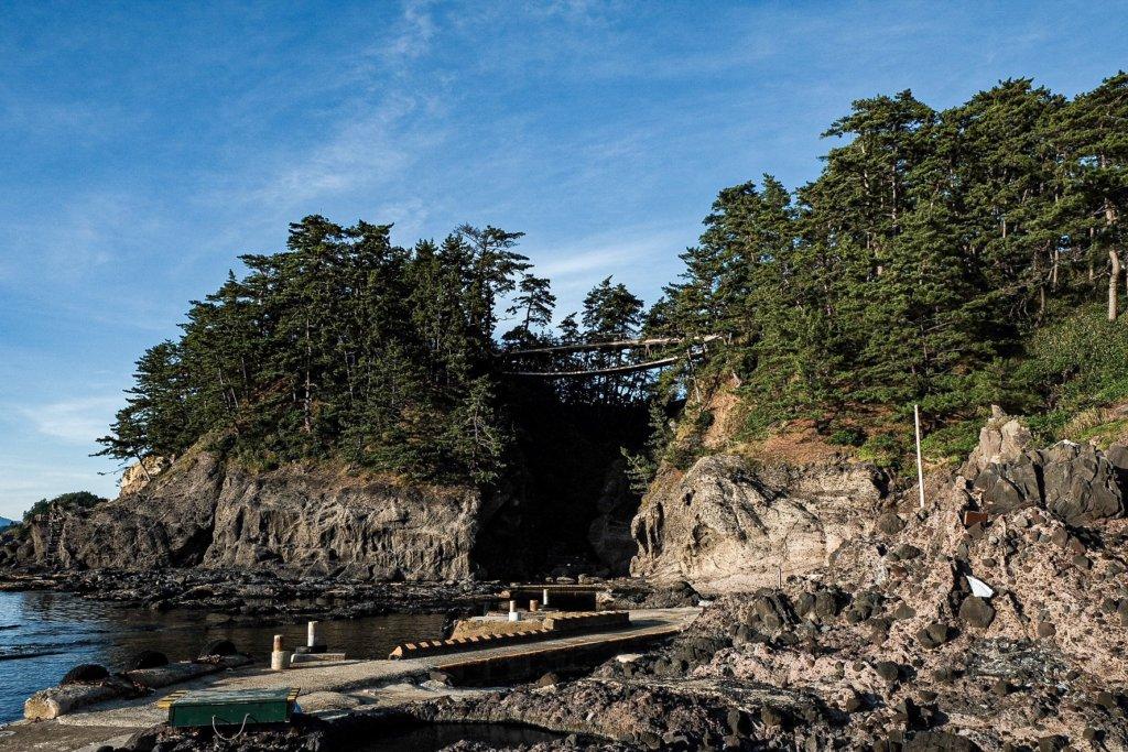 富士フィルム(FUJIFILM)のXT-30で撮影した巌門の写真