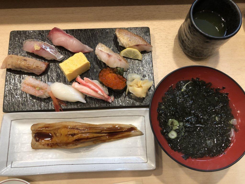 金沢まいもん寿司 金沢駅店の寿司の写真
