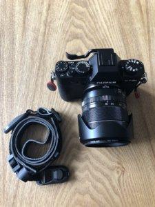 PeakDesign ピークデザイン アンカー リンクスをつけたカメラストラップをカメラから外した画像
