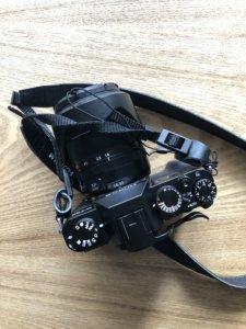 INPONのサムレストをFUJIFILMのX-T30に装着。