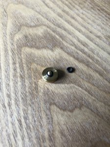 VKOの木製手作りソフトシャッターボタンにゴムリングをつけた画像