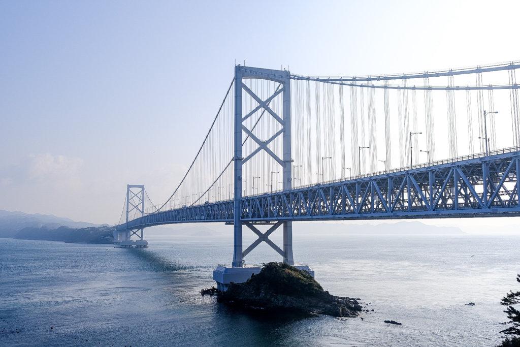 徳島の千畳敷展望台で撮影した鳴門大橋の写真
