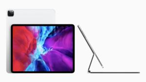 2020年の新型iPadProとトラックパッド付きのMagicKeyboard。