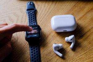 AirPods Pro(エアーポッズプロ)とApple Watchの連携の写真