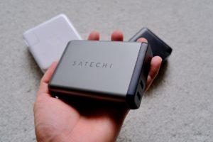 SATECHIの75Wトラベルチャージャーの画像